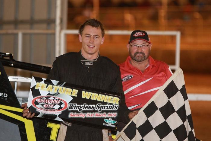 Jake Ashworth - Wingless Sprints A Main Winner