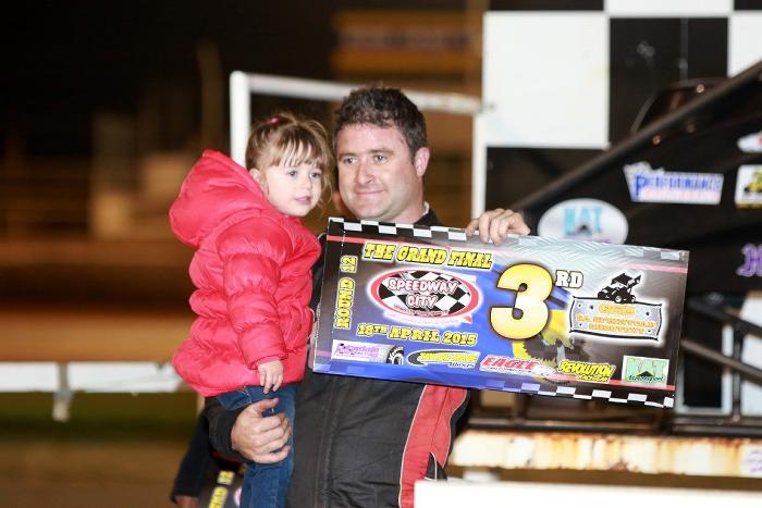 QSS Sprintcar Shootout Luke Dillon - Family Man