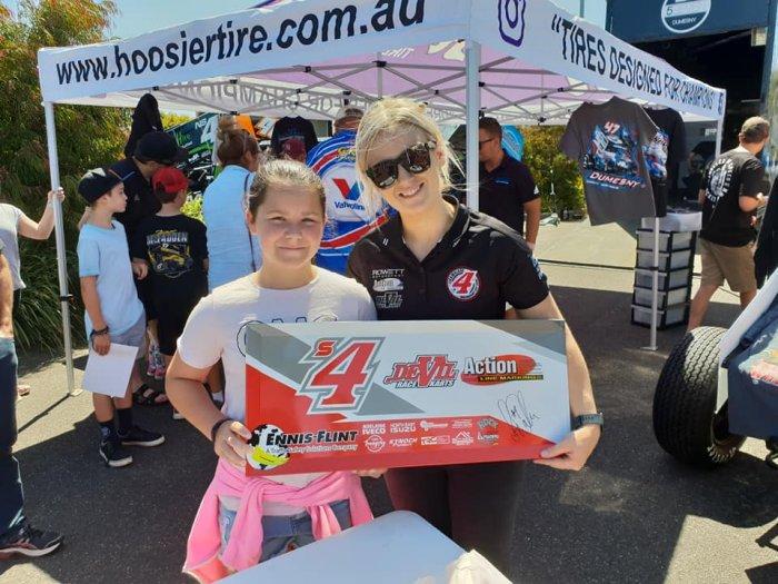 Lisa Walker & Race fan